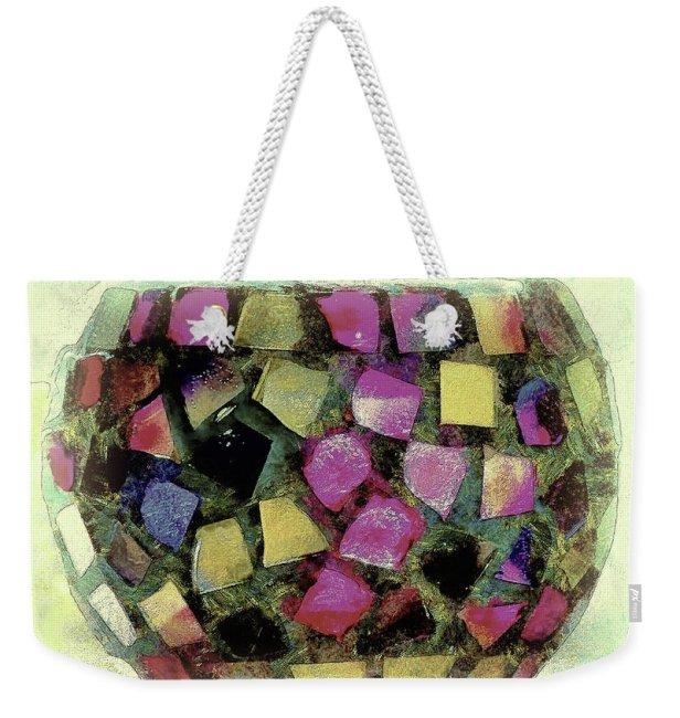 coloured-glass-bowl-leigh-kemp