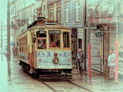 porto-27-uphill-in-the-rain_48313180707_o