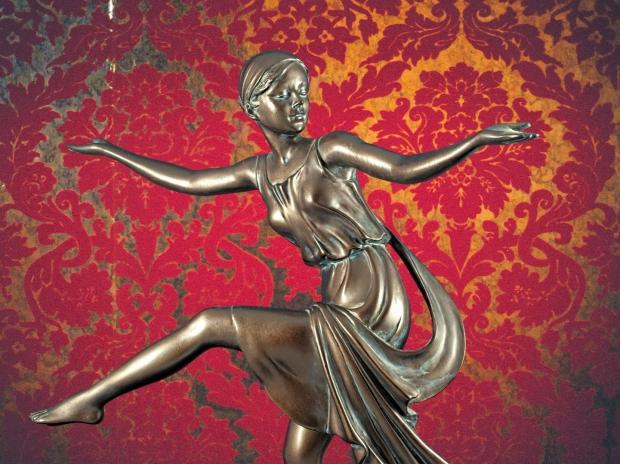 Chroma keying - Art Deco Figurine and background 10