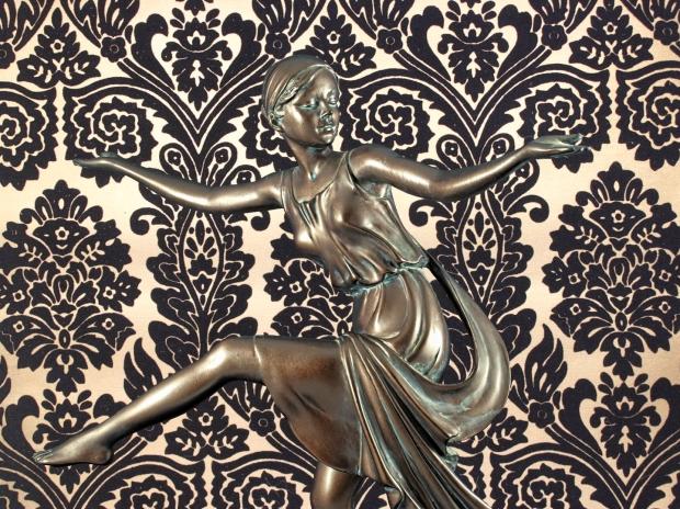 Chroma keying - Art Deco Figurine and background 11