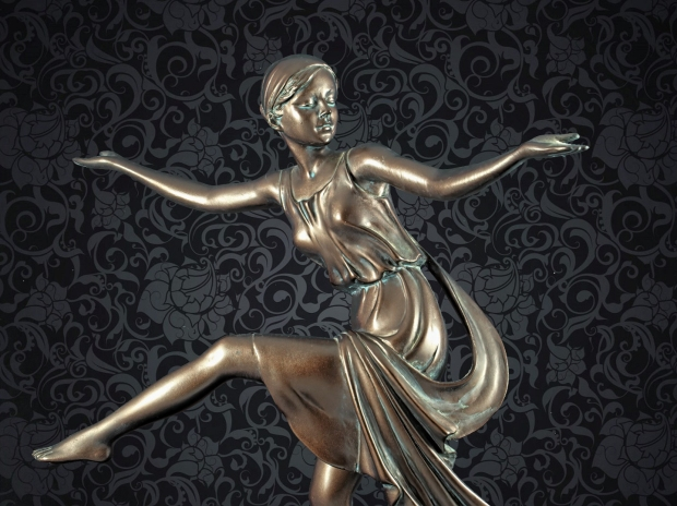 Chroma keying - Art Deco Figurine and background 13
